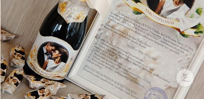 3 Individualus vestuvių šampano buteliai kartu su vestuvių saldainiais